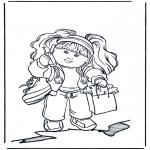 Småbarn - Girl with mobile