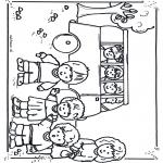 Småbarn - To school by bus